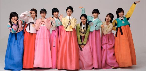 Girls' Generation in hanbok