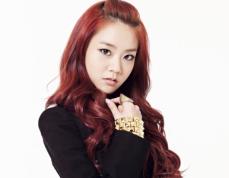 SEUNGYEON (Lead Vocals)