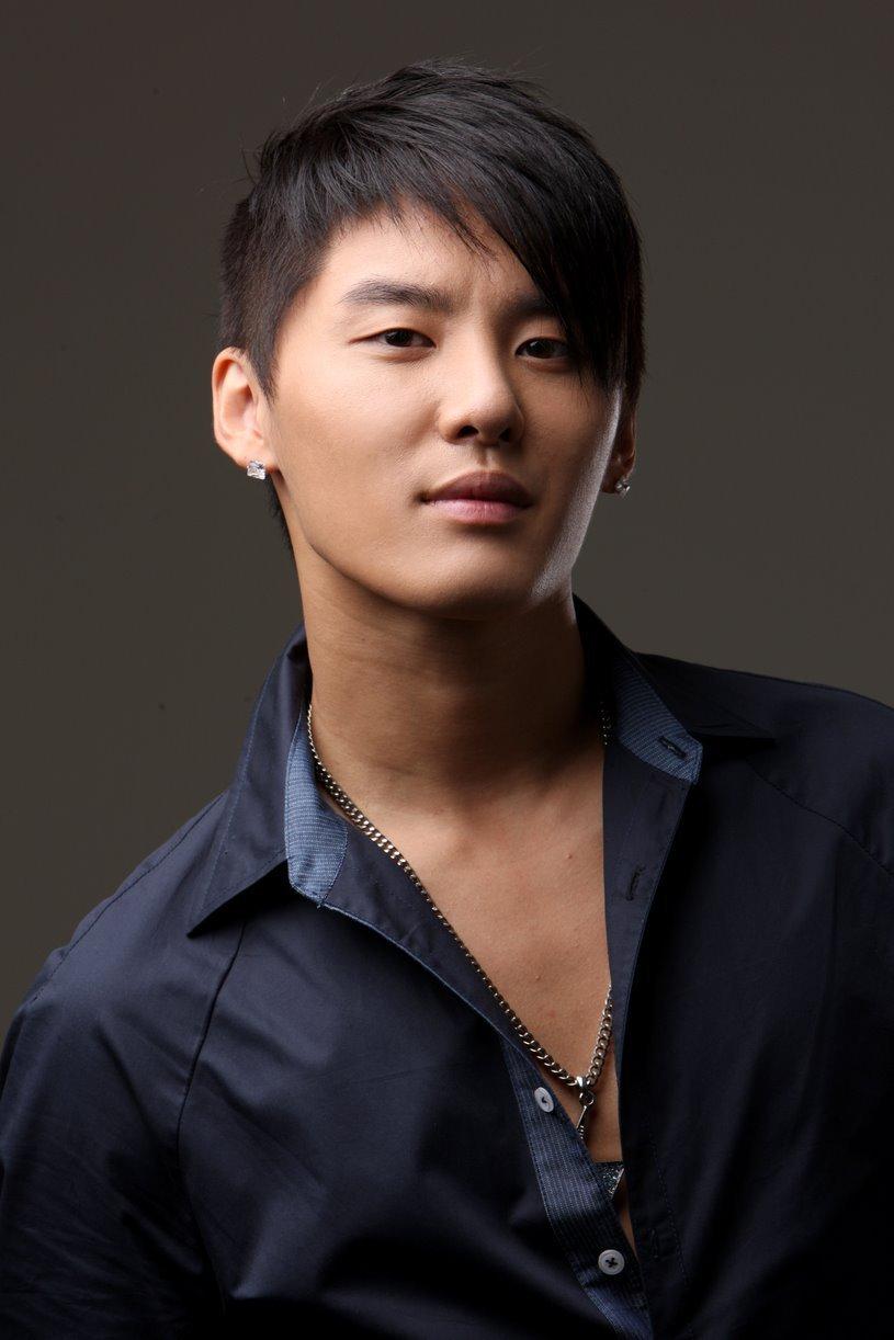 Kim Junsu South Korean singer from band JYJ - Biography